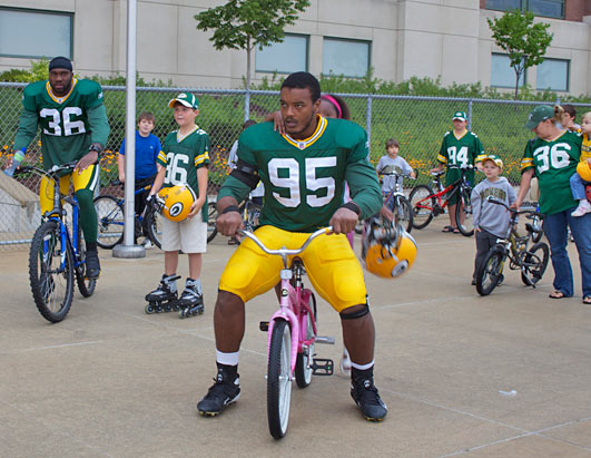 Packers_bike_rides_04_090905_ssh