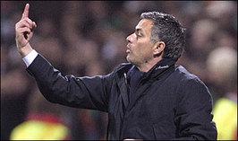 Mourinho_gesture_hor